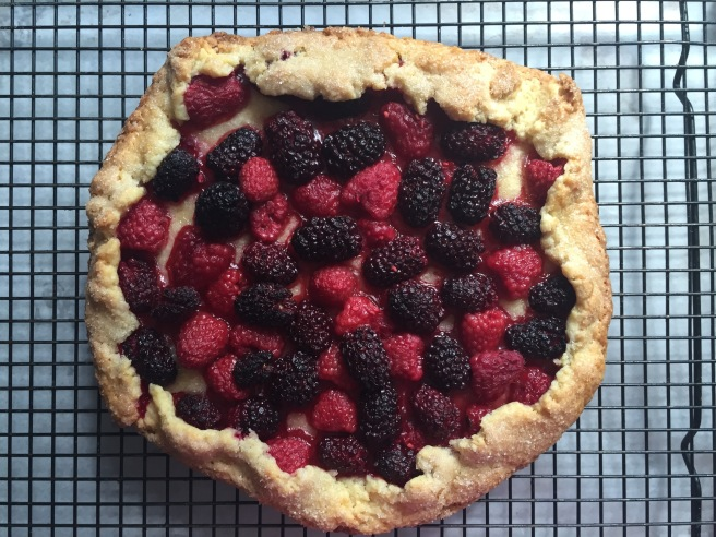 Crostata-cooling-on-a-wire-rack